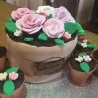 Graham's Garden Birthday Cake shaped like flowerpots